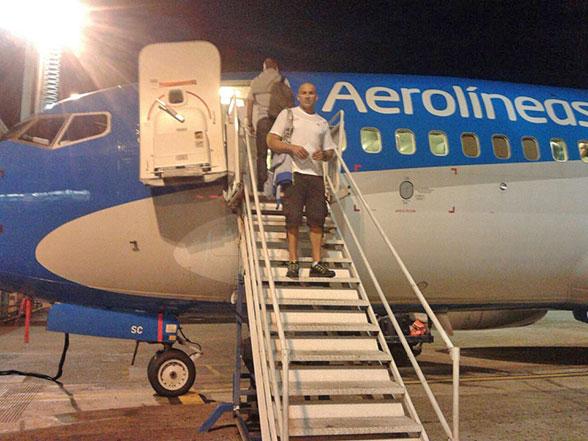 Hace instantes: Partieron desde Aeroparque los atletas Southwell y Arista rumbo a Bariloche