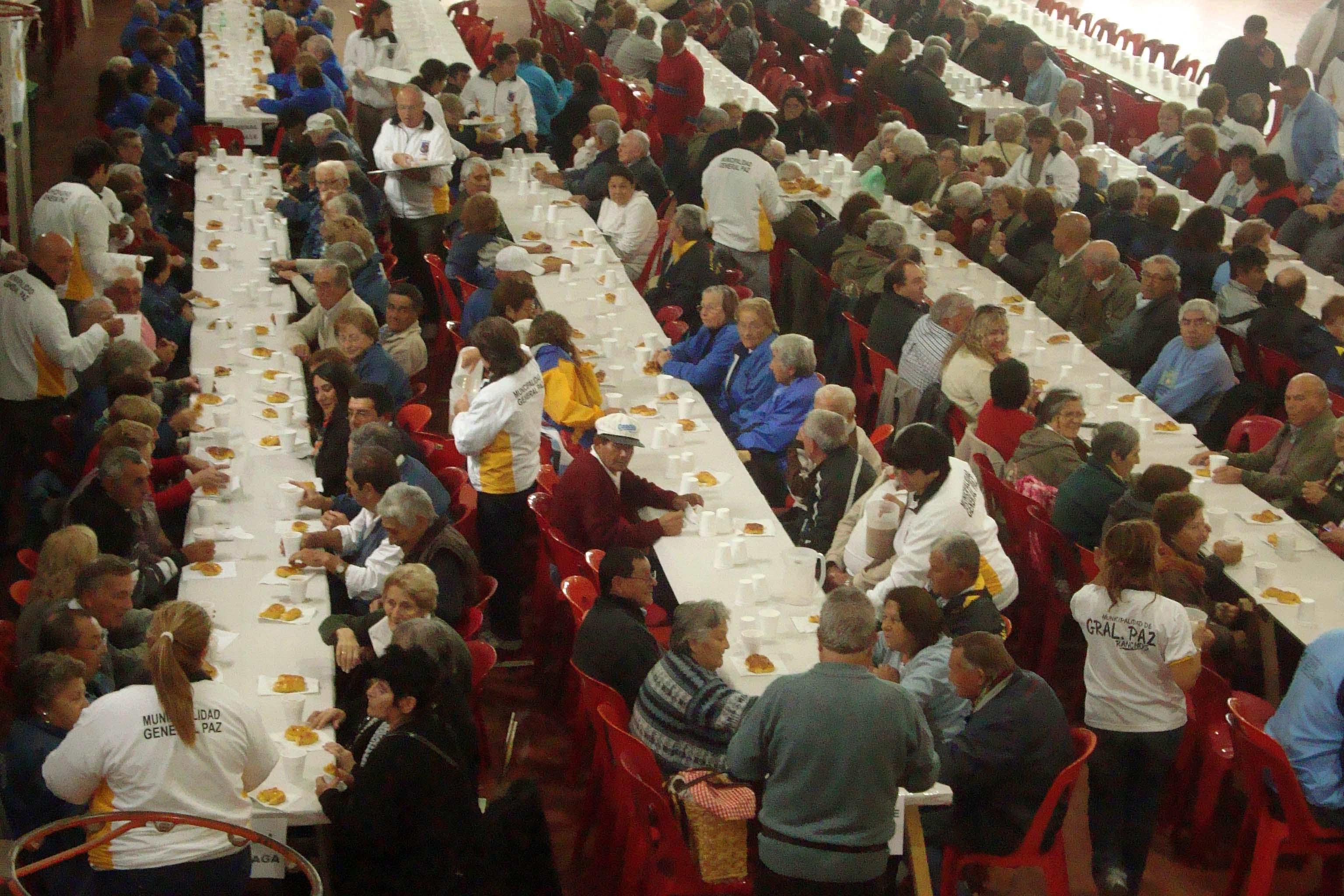 Más de 900 abuelos compartieron una jornada emotiva en el CEF ranchero