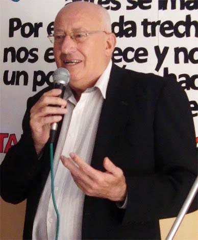 """También lanzado de pleno a la campaña: J. C. Veramendi: """"Me parece muy bueno que aparezcan tantos candidatos en la oposición"""""""