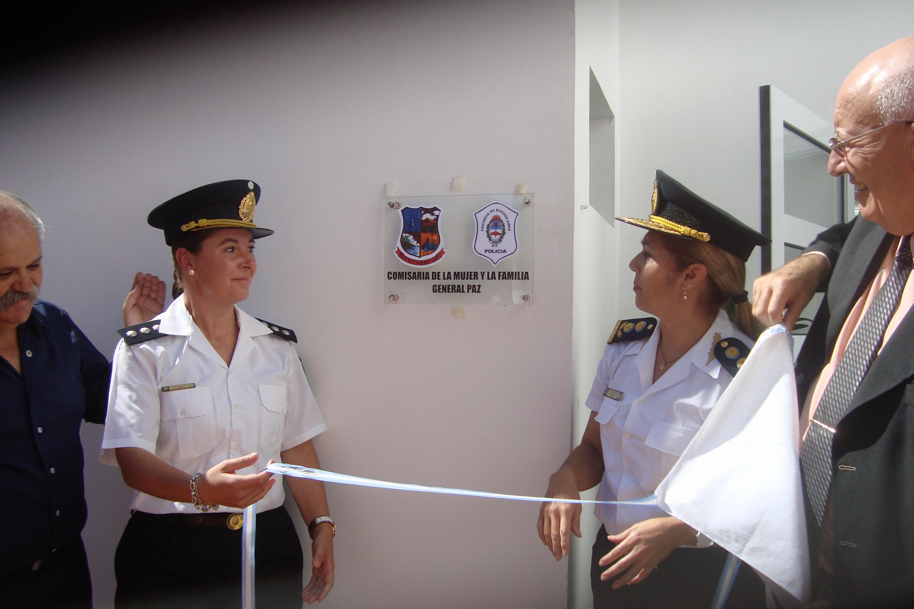 El ministro Granados presidió ayer la inauguración de la comisaría de la Mujer