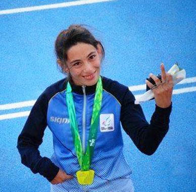 Representantes de GeneraL Paz en lo alto mas alto de los podios: La lomaverdense Lis Scaroni fue Medalla de Oro en 200 metros (T37) en Toronto y Walter Borges junto a su equipo medalla de Oro en Tiro