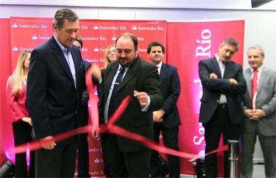 Ranchos: El jueves por la tarde quedó oficialmente inaugurada la Sucursal del Banco Santander Río local