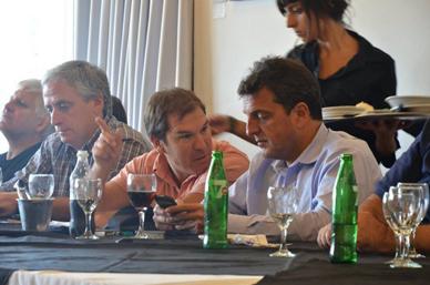 Con Intendentes, legisladores y concejales del Frente Renovador de la quinta sección: Gastón junto a Massa en encuentro seccional