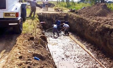 Ranchos: Comenzó la construcción del conducto principal del Canal