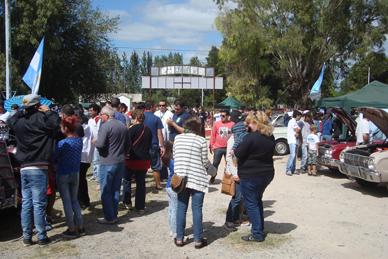 Con mucha cantidad de público se realizó el 2º Encuentro de los Amigos del Ovalo en Ranchos