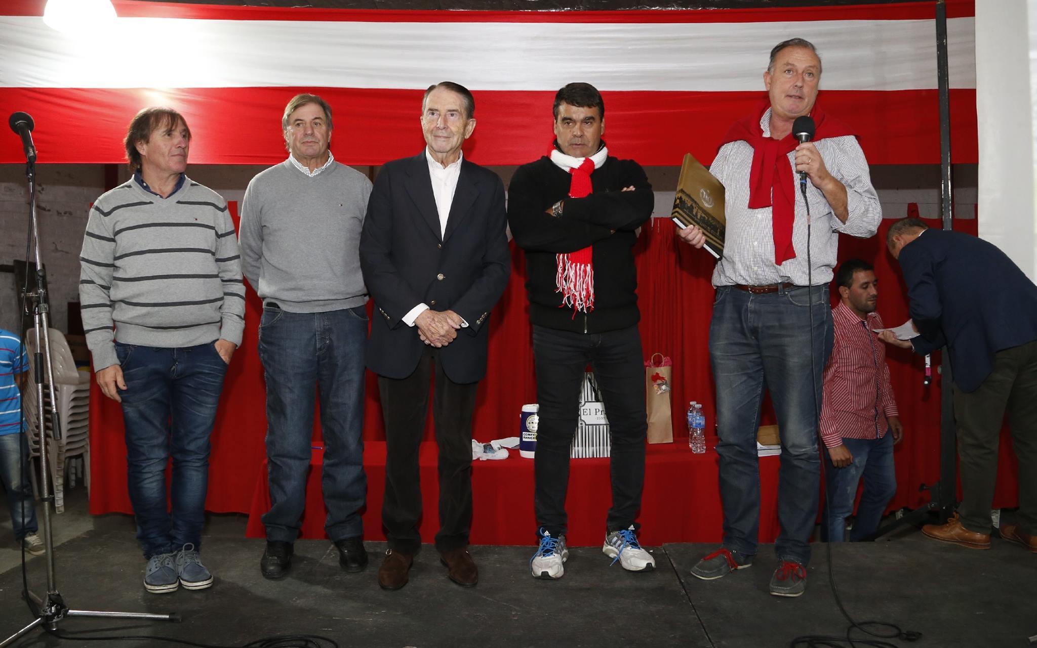 Velada llena de emoción en el agasajo a los Campeones del 82 de la Filial José Luís Brown