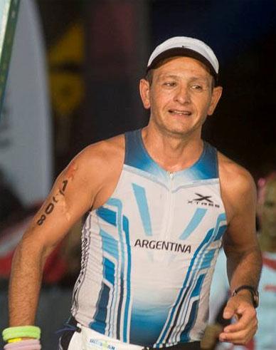 Felipe Tebes y otro Ironman más