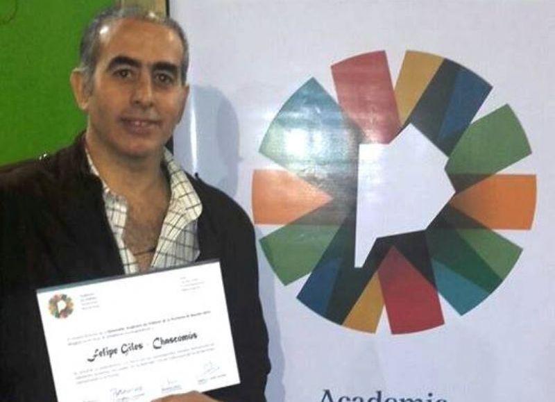 Chascomús:Felipe Giles distinguido por la Academia de Folklore