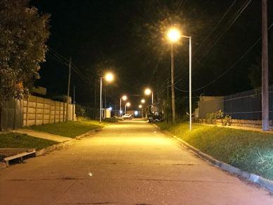 Municipalidad de General Paz: Ya cuentan con nuevas luminarias sectores de las calles Giles y Seijas