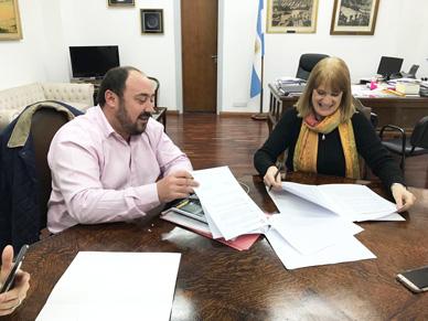 Municipalidad de General Paz: EL INTENDENTE ALVAREZ FIRMO IMPORTANTE ACUERDO CON LA FACULTAD DE MEDICINA EN BENEFICIO DE NUESTRO HOSPITAL