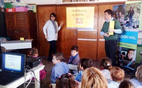 CHARLAS SOBRE EDUCACIÓN VIAL EN LAS ESCUELAS: EJE FUNDAMENTAL PARA DESARROLLAR HÁBITOS DE CONVIVENCIA CIUDADANA