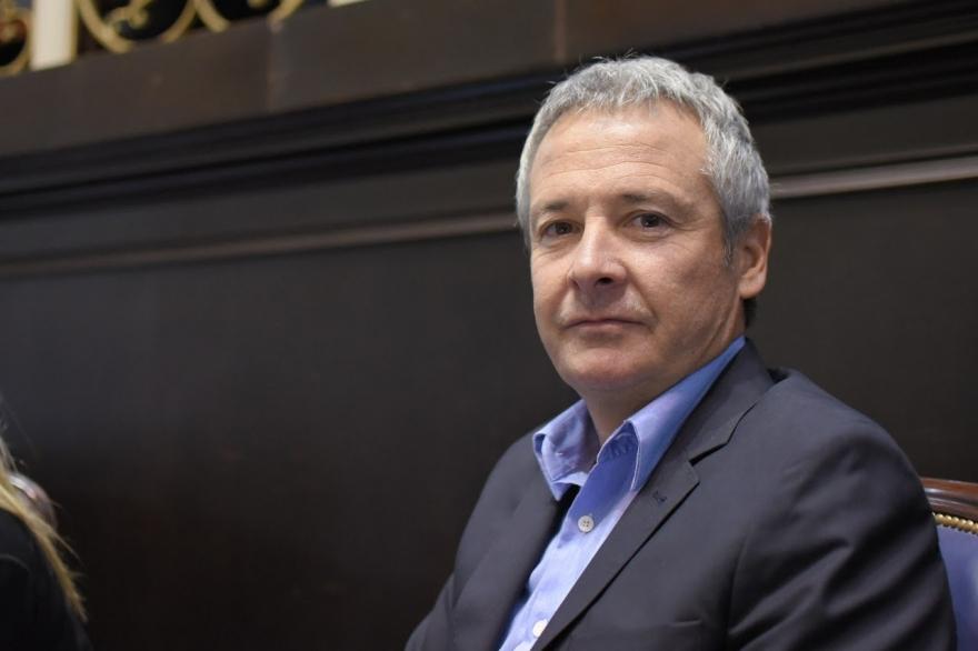 El legislador de CAMBIEMOS explicó el proyecto para futuros inquilinos, el de registro de conductores y lo que pasa en la interna del Frente