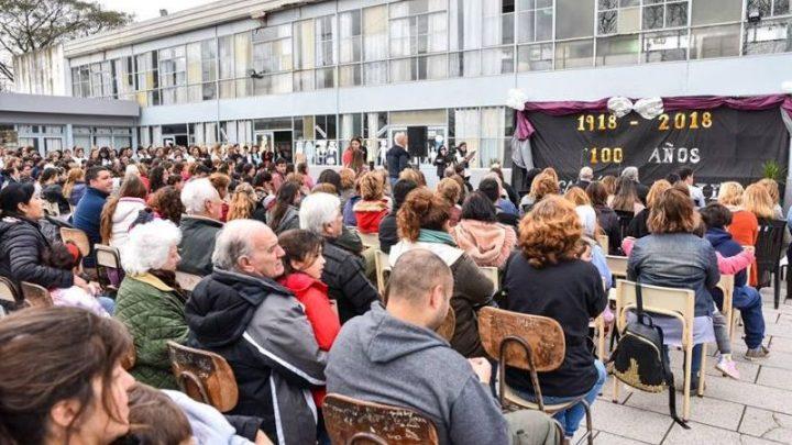 CHASCOMUS: Se realizó el acto por los 100 años de la Escuela Normal