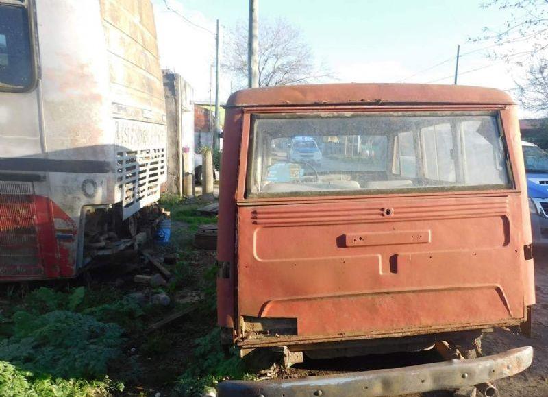 CHASCOMÚS: Operativo para retirar vehículos abandonados de la vía pública