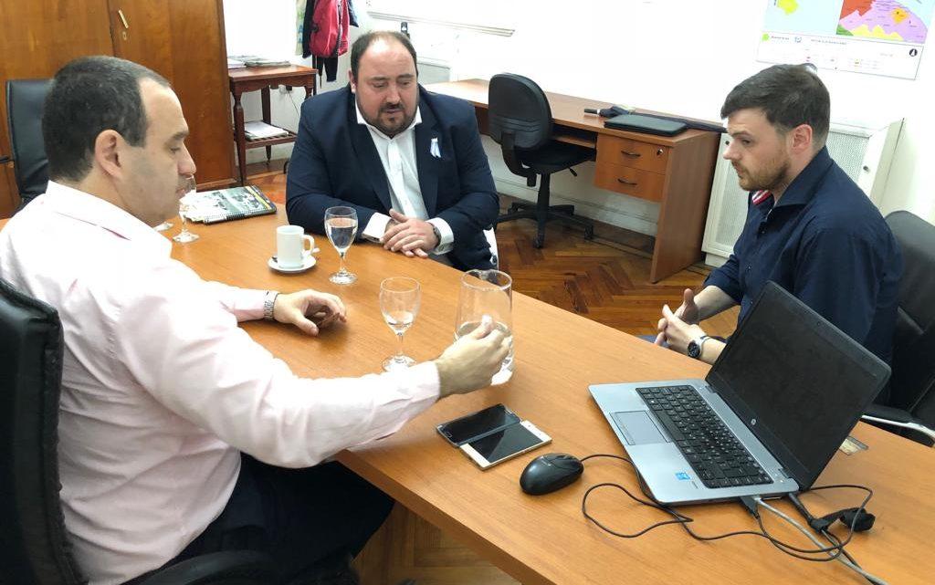 EL INTENDENTE ALVAREZ SE REUNIO CON FUNCIONARIOS EN EL DIRECCIÓN GENERAL DE CULTURA Y EDUCACION