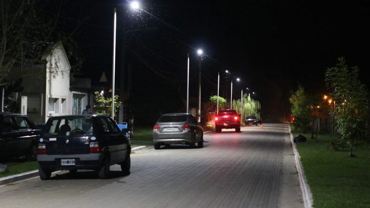"""Municipalidad de General Paz: NUEVA ILUMINACIÓN PUBLICA EN EL """"BARRIO COMPARTIR""""."""