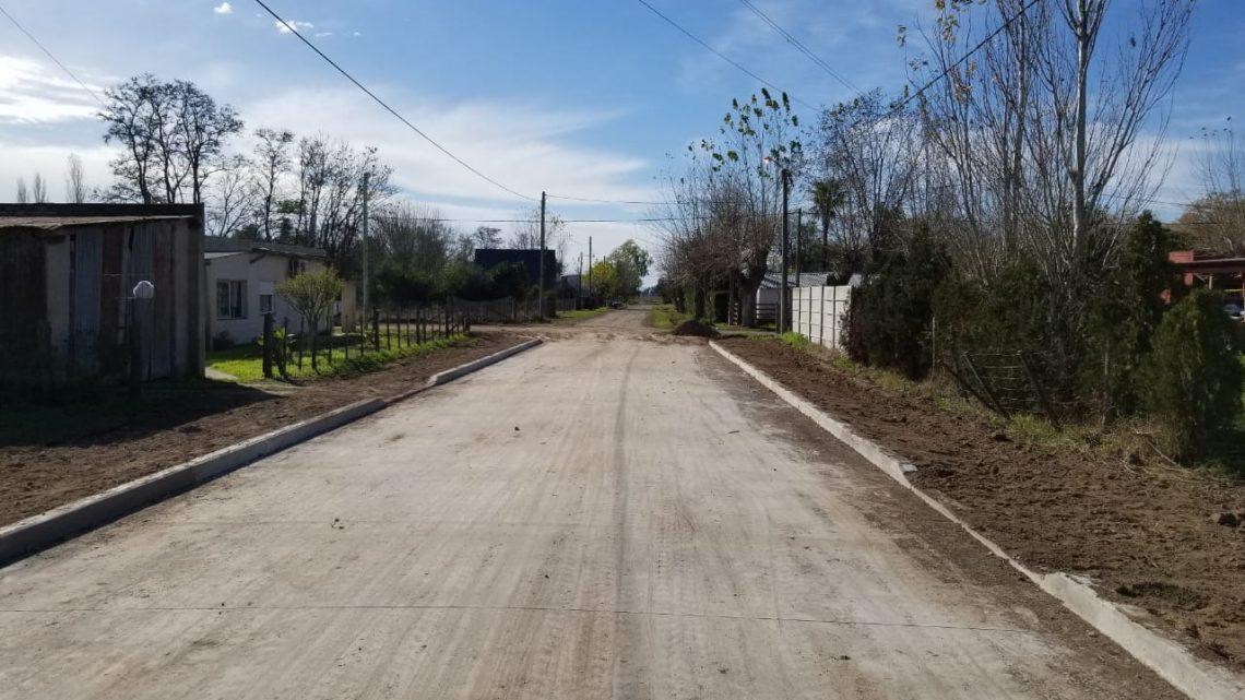 Se inauguran tres cuadras de pavimento en Villanueva