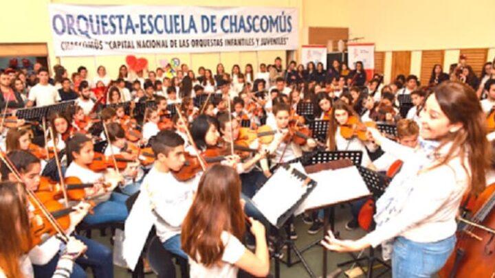 La orquesta escuela presente en los los 80 del Beatle Ringo Starr