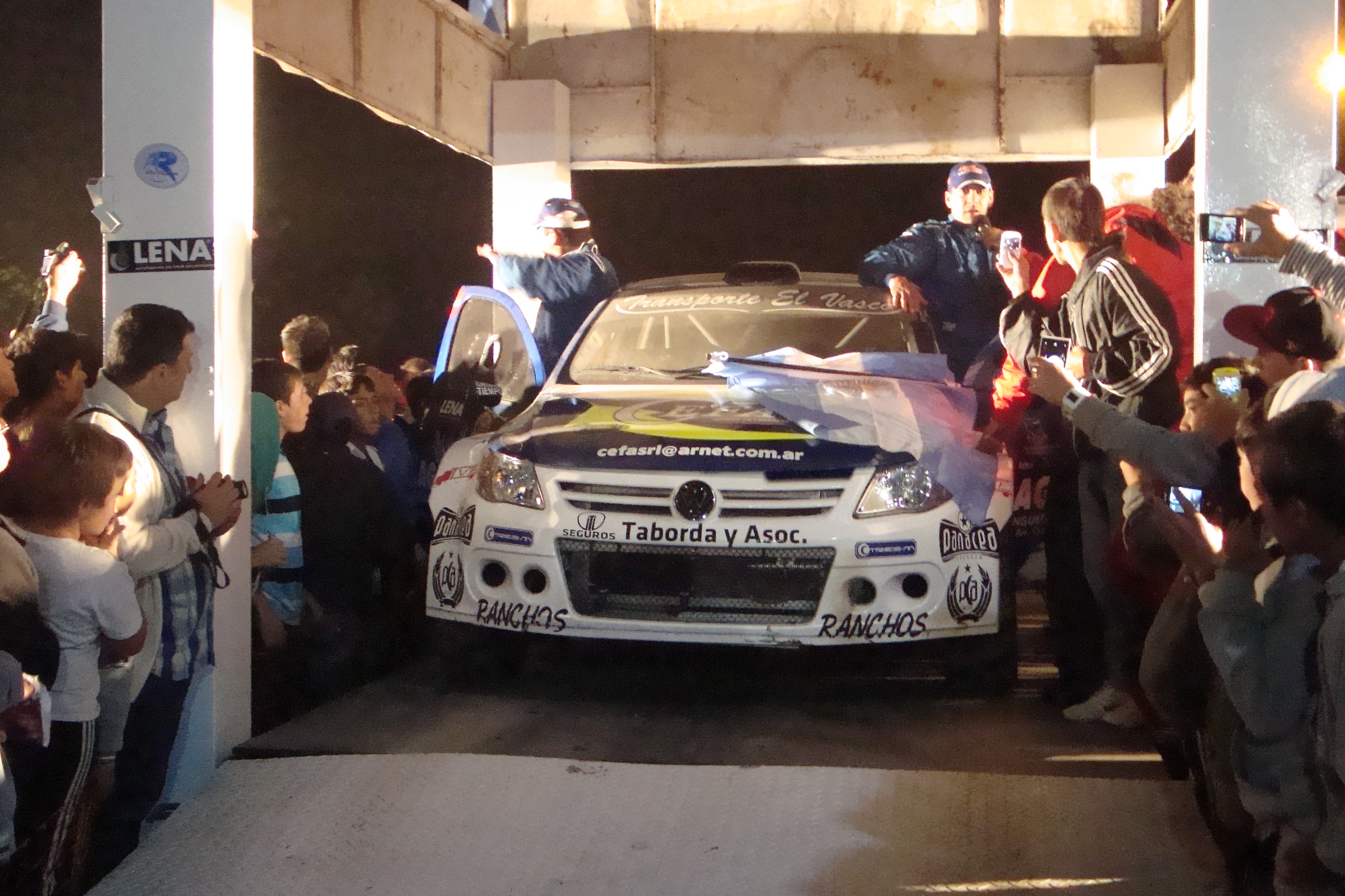 Rally M. y Sierras: en Ranchos se hizo difícil terminar la primera etapa