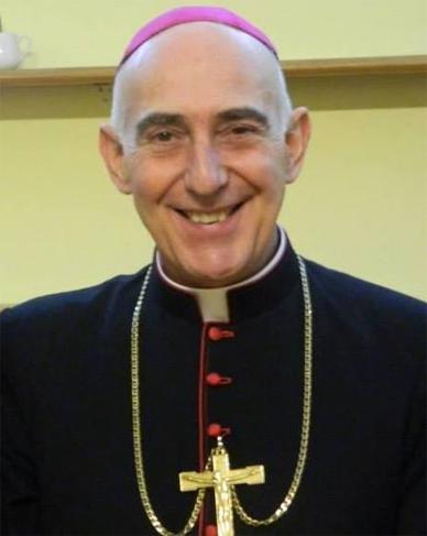 Jóvenes misionan en Chascomús en una fecha especial para el obispo