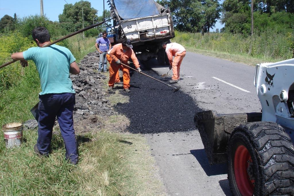 Comenzaron los trabajos de repavimentación en la Ruta 20