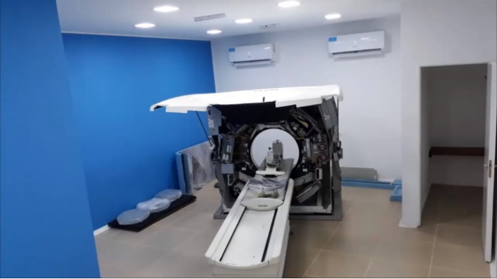 Llegó y está siendo instalado el nuevo tomógrafo en el hospital